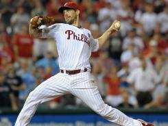 Cliff Lee threw a shutout and added a sacrifice fly in the Phillies' 5-0 win over the Red Sox on Tuesday. Lee has thrown 32 consecutive scoreless innings.