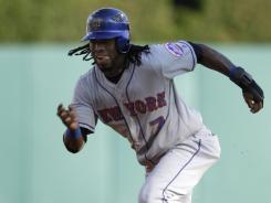 Mets shortstop Jose Reyes leads the majors with 15 triples.