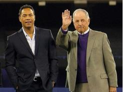 Roberto Alomar, left, and Pat Gillick will be forever linked by the trade made in 1990.