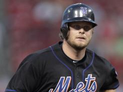 Filling in for the traded Carlos Beltran, Lucas Duda homered to help the Mets beat the Reds.