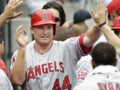 Angels' Mark Trumbo leads rookies with 19 home runs.