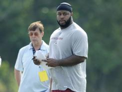 Redskins free agent defensive tackle Barry Cofield , shown during training camp practice, relishes chance to fit into the team's 3-4 defense.