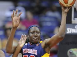 Jessica Davenport led the Fever with 17 points in an 85-65 victory over the Shock.