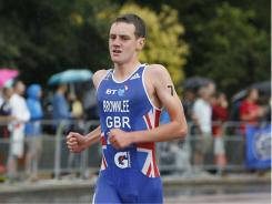 Alistair Brownlee of Britain won the men's ITU World Championship Series Triathlon in London on Sunday.