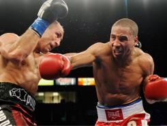 Andre Ward, right,  had no problem in his most recent fight against Arthur Abraham in May, winning a 12-round unanimous decision.