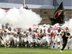 Prattville, No. 3 in the USA TODAY Super 25 high school football rankings, takes on No. 2 St. Thomas Aquinas Saturday in Hoover, Ala.