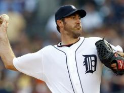 Justin Verlander pitched eight shutout innings Friday against the White Sox, earning his 21st win for the Tigers this year.