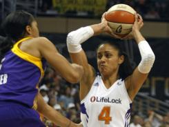 Candice Dupree had 22 points and a franchise-record 19 rebounds to help the Phoenix Mercury clinch a playoff spot.