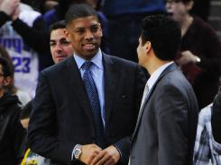 Sacramento mayor Kevin Johnson, a three-time All-Star with the Phoenix Suns, is doing his best to keep the Kings in his city.