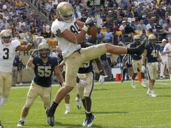Notre Dame tight end Tyler Eifert caught a late touchdown then this two-point conversion to help the Irish beat Pittsburgh.