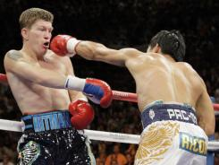 Ricky Hatton, left, says he considered suicide after this 2009 loss to Manny Pacquiao.