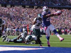Bills RB Fred Jackson scores on a 5-yard TD run vs. the Eagles.