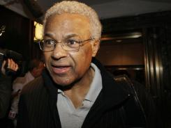 NBA players union executive director Billy Hunter revealed Wednesday that the union and the league will meet with a federal mediator to help end the lockout.