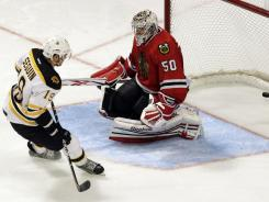 The Blackhawks' Tyler Seguin scored the only goal in a shootout between Chicago and the Boston Bruins, the last two Stanley Cup winners.
