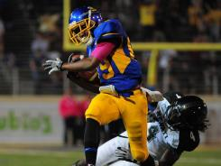 Chandler Jones (89) hauls in the go-ahead touchdown pass to help San Jose State overcome six turnovers and beat Hawaii.