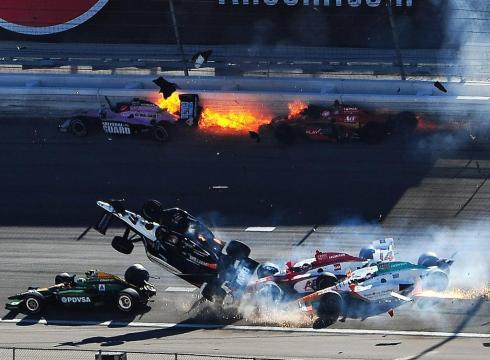 Dan Wheldon dies Indycar crash‎