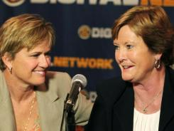 Pat Summitt, right, acknowledges she has been leaning more on her staff, including associate head coach Holly Warlick.