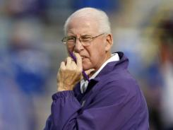 Pulling all the strings, Bill Snyder has No. 12 Kansas State off to a 7-0 start, the team's best since 1999.