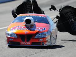 Jason Line, shown in Saturday's qualifying, clinched the Pro Stock title at Las Vegas by virtue of his 199-point lead.