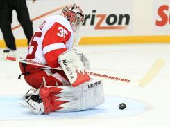 Goalie Jimmy Howard made 27 saves in the Red Wings' seventh consecutive victory. Buffalo's Jochen Hecht spoiled Howard's shutout bid by scoring with 6:13 remaining in the game.