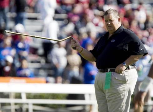 Kansas hires CHARLIE WEIS as new head coach – USATODAY.