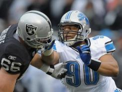 Lions all-pro DT Ndamukong Suh returned Sunday at Oakland after serving a two-game suspension.