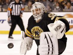 Bruins goalie Tim Thomas made 33 stops in Boston's 3-2 win over the Canadiens, his third consecutive game with more than 30 saves.