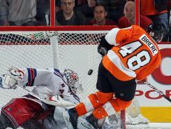 The final spot for the 2010 playoffs came down to a shootout and Danny Briere and the Flyers prevailed over Henrik Lundqvist and the Rangers.