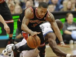 Chicago Bulls All-Star point guard Derrick Rose reaggravated a turf toe injury in Tuesday's win vs. the Minnesota Timberwolves.