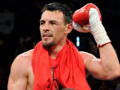 "Robert ""The Ghost"" Guerrero says he could be the first fighter to knock off Floyd Mayweather Jr., who is 42-0."