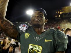 In a surprising  move Oregon Ducks quarterback Darron Thomas has elected to enter the NFL draft.