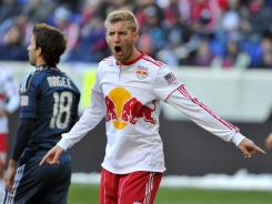 Bolton of the English Premiere League is trying to land American defender Tim Ream of the New York Red Bulls.