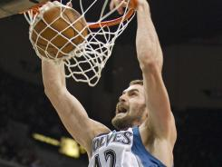 Minnesota Timberwolves forward Kevin Love has agreed to a contract extension, hours before the midnight ET deadline.