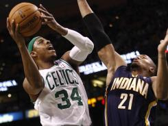 Paul Pierce (34) had 28 points, 10 rebounds and eight assists to lead the Celtics to their fourth consecutive win.