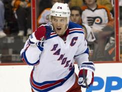 Right wing Ryan Callahan recorded a hat trick in the Rangers' 5-2 win over the Flyers in Philadelphia.