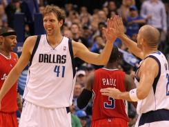 Dirk Nowitzki (41) scored 22 points as Dallas tied a season high with its fourth win in a row.