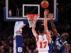 Knicks guard Jeremy Lin had 28 points and a career-high 14 assists in Sunday's 104-97 home victory vs. the Mavericks.