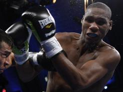 Paul Williams, shown against Sergio Martinez in 2010, had no trouble with Nobuhiro Ishida, winning a shutout victory Saturday night in Corpus Christi, Texas.
