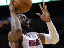 Dwyane Wade had 30 points and 10 assists in the Heat's win over the Kings.