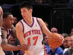 Jeremy Lin and the Knicks got back to .500 at 17-17 with a rout of the Hawks.