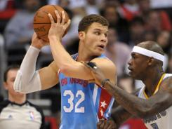 Blake Griffin (32) had 27 points and 12 rebounds to help the Clippers snap a two-game slide.