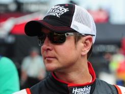 Kurt Busch's fresh start in 2012 continued with Thursday's apology to ESPN's Jerry Punch.