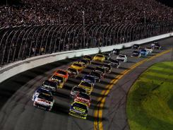 The field sails around Daytona International Speedway with the 7:13 p.m. ET green flag on Monday night.