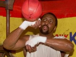 Thomas Hearns, pictured in 2000, will be inducted into the International Boxing Hall of Fame this summer.