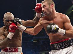 Lucian Bute, right, won a unanimous decision in his last fight against Glen Johnson in Quebec City last November.