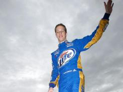Brad Keselowski went from about 65,000 to about 200,000 Twitter followers during the Daytona 500 when he pulled out his cellphone to chronicle the events during a red-flag delay for an on-track explosion.