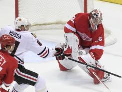 Detroit Red Wings goalie Jimmy Howard played one period Sunday before leaving with a lower-body injury.