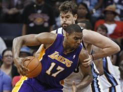 Lakers center Andrew Bynum had 37 points and 16 rebounds in a 116-111 double-overtime victory vs. the host Grizzlies on Tuesday night.