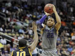 Rodney McGruder leads Kansas State to the round of 32 on Thursday in Pittsburgh.