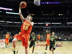 McDonalds All American Tyler Lewis led a trio of guards that helped Oak Hill (Mouth of Wilson, Va.) finish 44-0 and as the top team in the Super 25 boys basketball rankings.